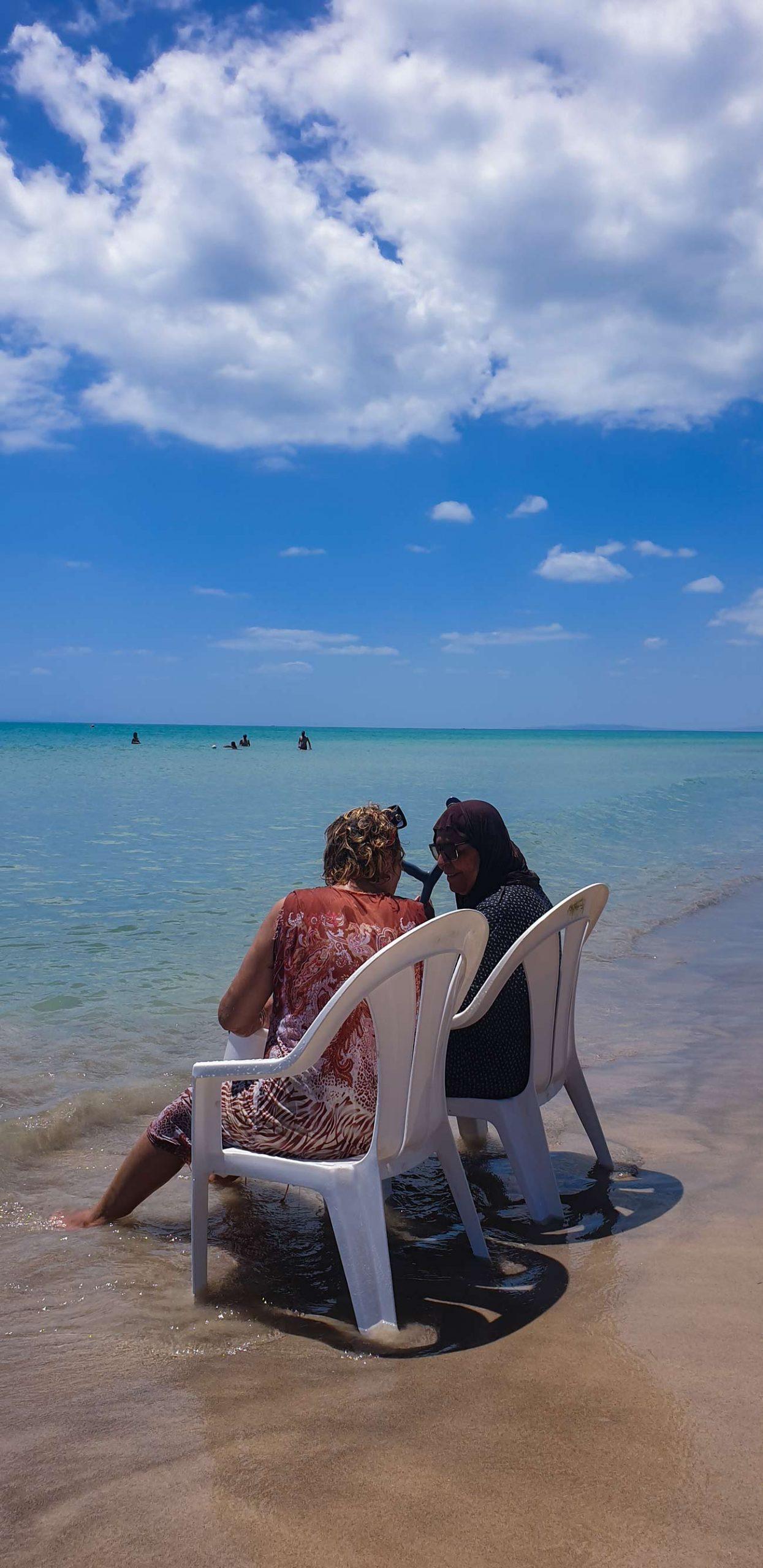 Signore tunisine mare